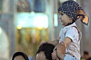 عکس کودکانه در حرم لحظاتی جذاب و دوست داشتنی از کودکی هایی که در حرم می گذرد